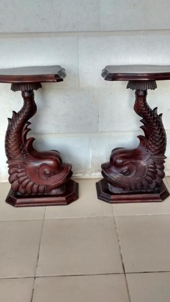 Hand carved mahagony fish stand
