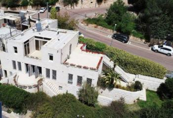 Stunning villa, high standard, renovated, beautiful views!!!