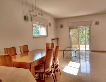 A beautiful renovated 3 room apartment for rent in Talbiya