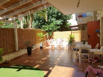 Lovely, quiet, garden apartment in Givat Shaul