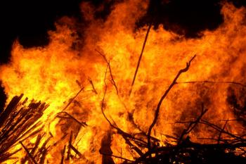 Israel bans bonfires as unseasonable heatwave takes hold