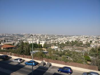 For Rent - Furnished 4.5 rooms in Gilo with breath taking view of Jerusalem