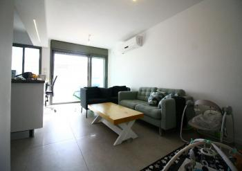 Lovely Renovated Bright 4 Room Apartment for Sale in Baka