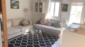 2 room apartment beautifully renovatedin Kriyat moshe