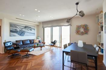 City Center- Beautifully designed rooftop apartment in the City Center with view to Old City