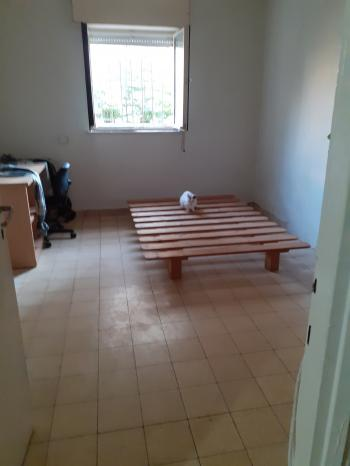 Large Sunny Room in Nachlaot