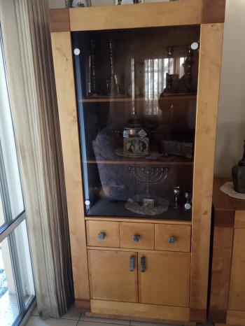 China Cabinet - Display Cabinet