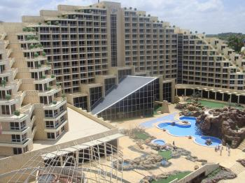 Israel's hotels prosper amid record tourism