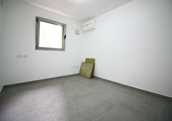 A Great 4.5 Room For Sale In Baka!