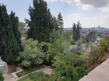 For Sale in Jerusalem Talbieh a Fabulous 5 Room Apartment
