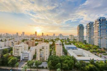 Luxurious Apartment For Sale in Tel Aviv in the beautiful new area Park Tzameret Neighborhood