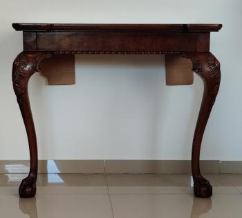 Henredon Side Table/Buffet/Display