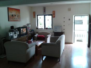 Private entrance to cozy 55 Sqm 3 Room Apt