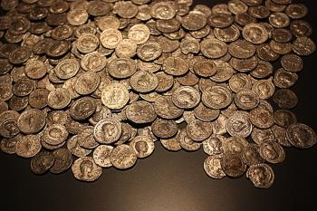 """Trove of 1,200-year-old """"Arabian Nights"""" gold coins uncovered in Israel"""