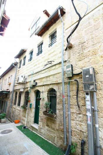 EXCLUSIVE !! Amazing Residential Building For Sale In The Heart Of Nachlaot!