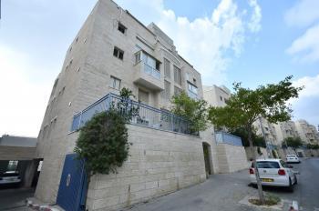Luxury Penthouse Duplex For Sale - Simha Dinitz