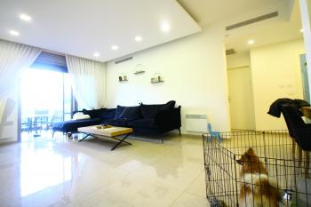 A luxurious 4 Room Apartment For Sale In Arnona!