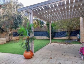 A beautiful 5 room garden apartment for rent in Arnona