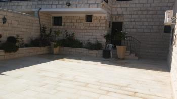 Givat Hamivtar semi detached, 10 rooms, view, for renovation, option to create units. Negotiable!!