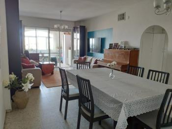 Spacious and quiet apartment, prime location,120SQM!!!