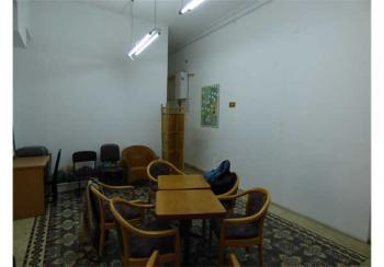 LARGE FULL OF POTENTIAL APARTMENT IN THE CITY CENTER