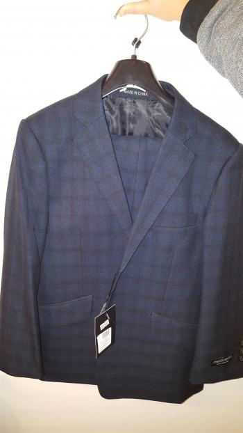 New boys suit size 10. Never used!