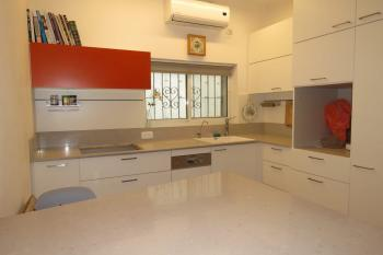 4 rooms for sale on Hayarden Street