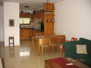 bright, spacious and quiet cottage, 200SQM, a must see!!!