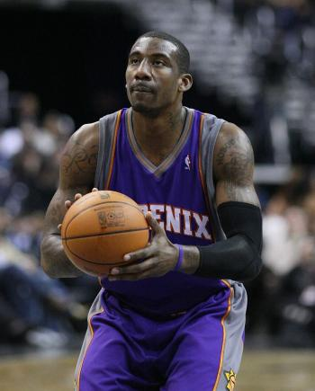 Amare Stoudemire signs with Maccabi Tel Aviv, shocking fans and his former team